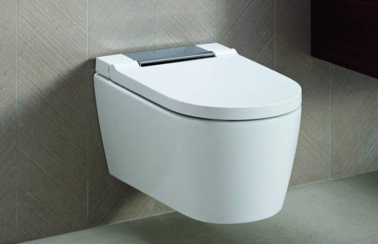 Bela viseča WC školjka Geberit